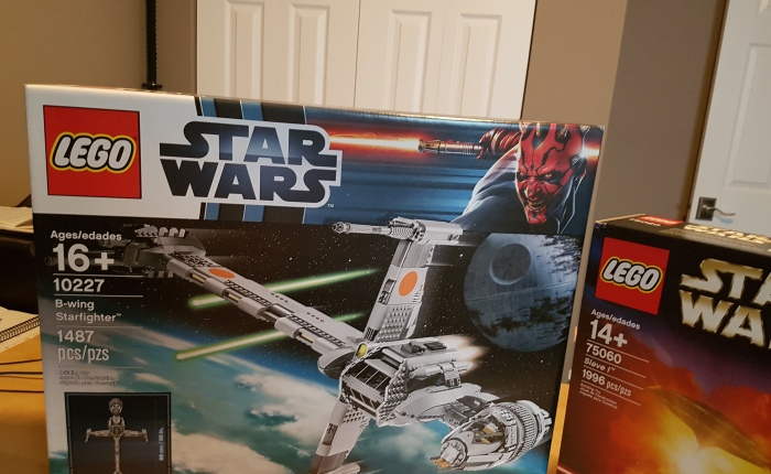 Toy Review – Lego UCS B-Wing – #10227